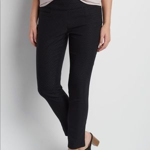 Maurices smart fit pull on ankle pant dots